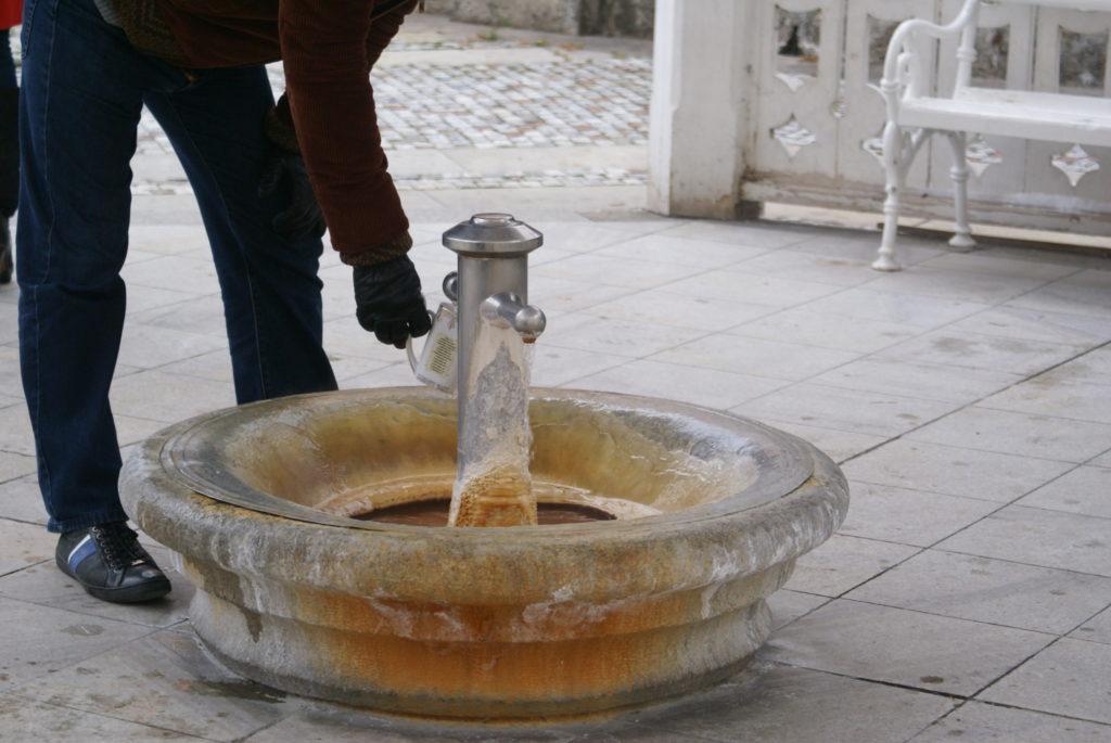 Il colonnato principale dove prendere l'acqua termale per le cure idropiniche